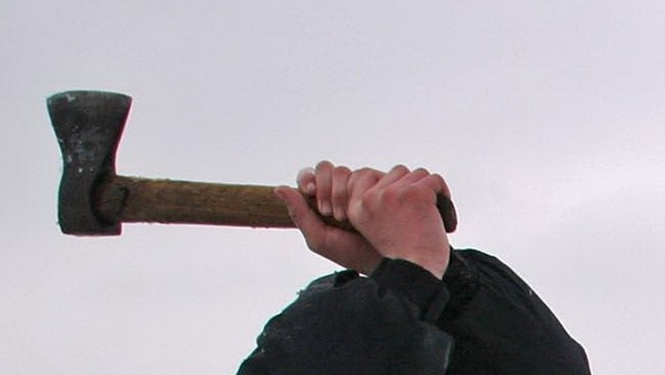 Орловский суд вынес вердикт напавшему с тесаком напродавца