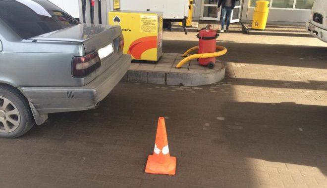 Лишенный прав шофёр наавтозаправке вОрле сбил пешехода