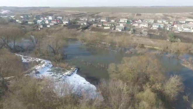 Подтопленным остается один низководный мост удеревни Городище