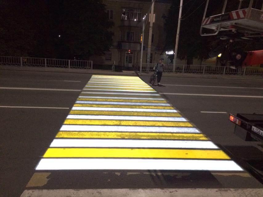 Проекционный пешеходный переход появился в Орле, фото-1