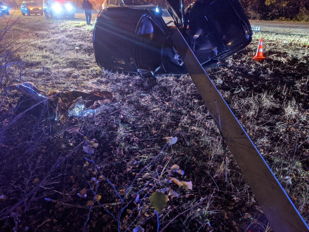 Под Орлом автомобиль врезался в столб: пассажир погиб (видео)